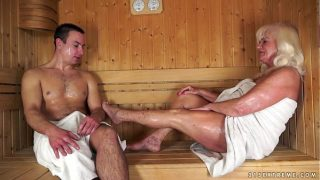999analcam.com – Granny fucked in sauna